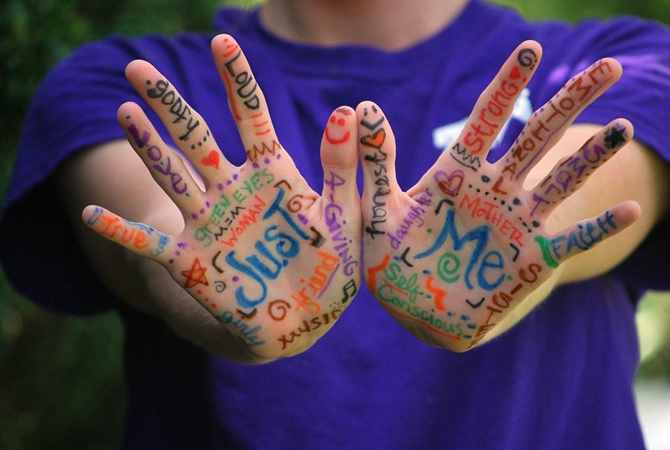 manos color