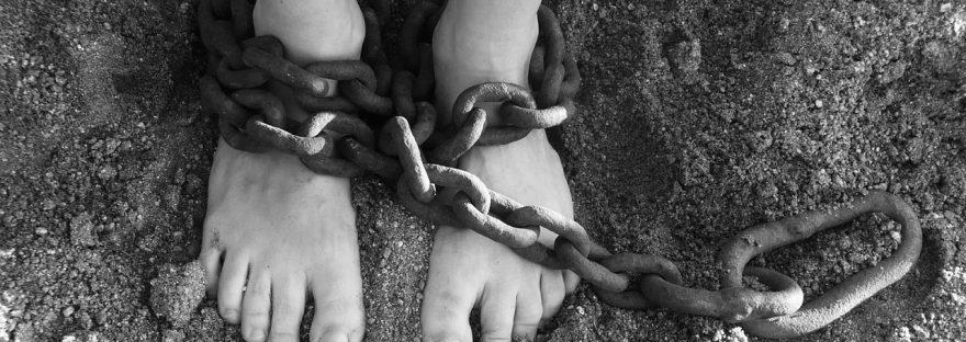 pies cadenas